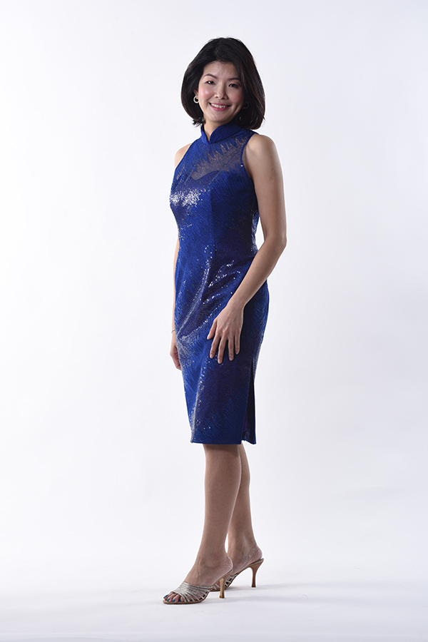 Modern blue sequins tulle sleeveless cheongsam