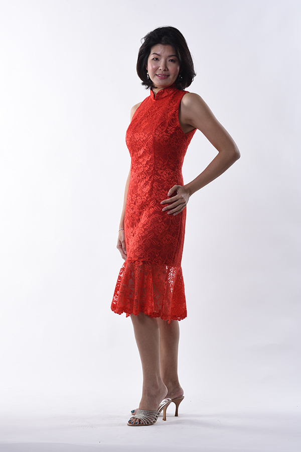 Red-lace-sleeveless-modern-cocktail-cheongsam