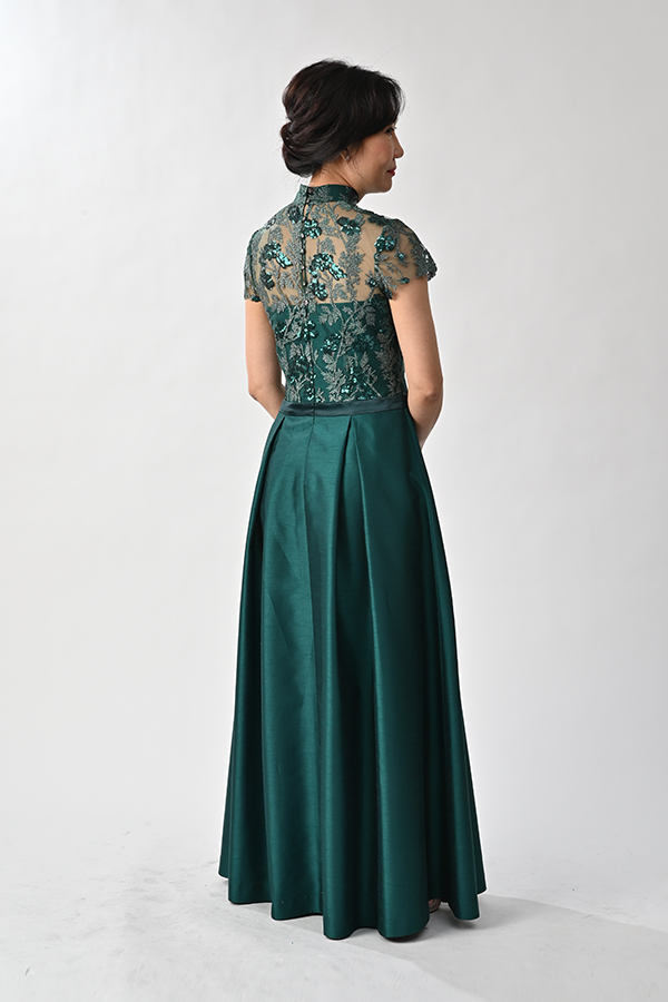 Emerald green lace shuntung silk modern qipao with pleat