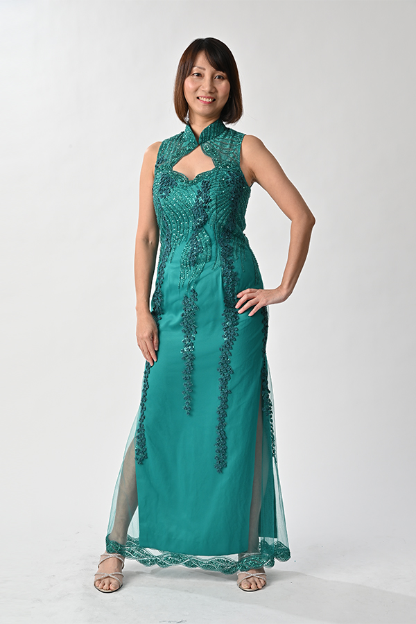 Sleeveless beaded modern cheongsam mother gown